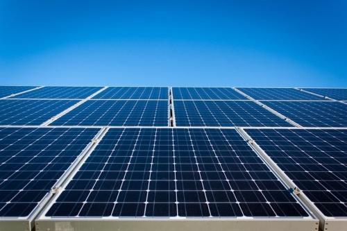 В 2018 году в мире было введено 104,1 ГВт солнечных электростанций