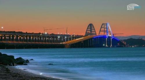 Автовладельцы сэкономили больше 16 млрд рублей за первый год функционирования Крымского моста