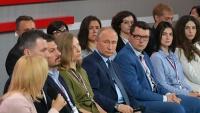 Путин пообещал решить проблему отсутствия в Крыму крупных торговых сетей