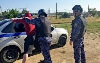 В г.Евпатории росгвардейцы задержали подозреваемого в совершении уголовного преступления