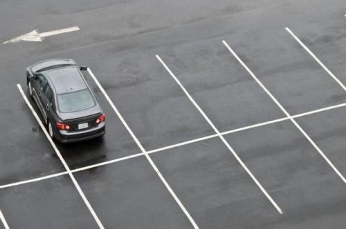 В Симферополе около школ и больниц появятся дополнительные парковки для машин