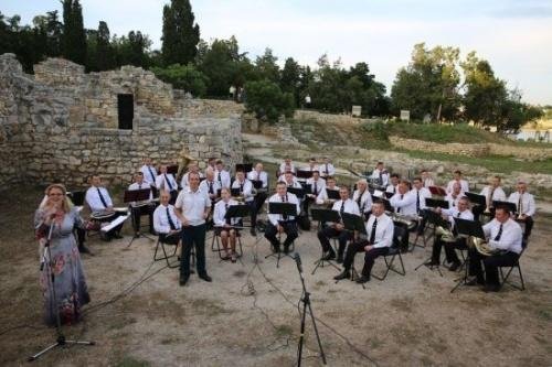 Фестиваль военных оркестров завершился в Херсонесе