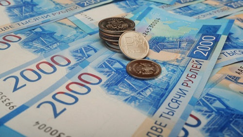 Госсовет Крыма увеличил дефицит бюджета на 692 млн рублей