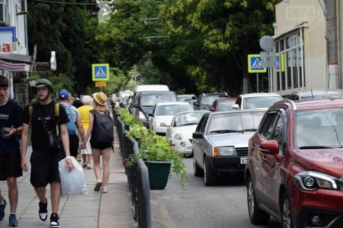 В центре Ялты появятся цветочные фонтаны, шары и зонты