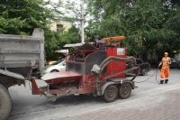 На улице Пушкина в Симферополе отремонтировали тротуар и восстановили провалившуюся плитку
