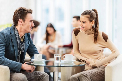 Психолог рассказала, что мешает знакомиться мужчинам и женщинам
