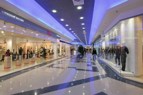 Аксёнов рассказал, почему в Крыму не откроют торговые центры