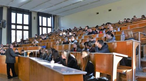 Опрос выявил самые популярные факультеты среди выпускников школ