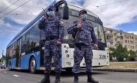 В севастопольском троллейбусе задержали пьяного дебошира