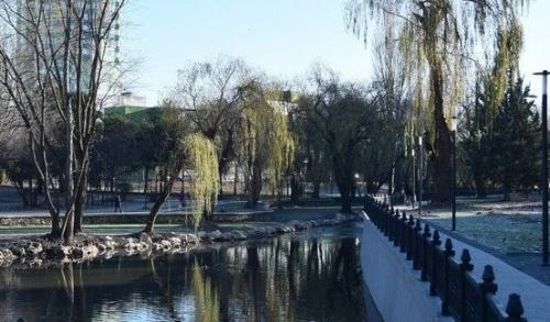 В Симферополе никак не создадут бригаду, которая будет следить за отремонтированной набережной Салгира