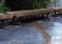 На Пушкинском бульваре заменят скамейки