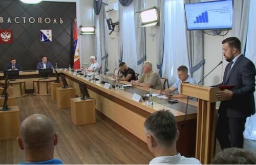 Заместителю министра спорта России рассказали о проблемах севастопольских атлетов