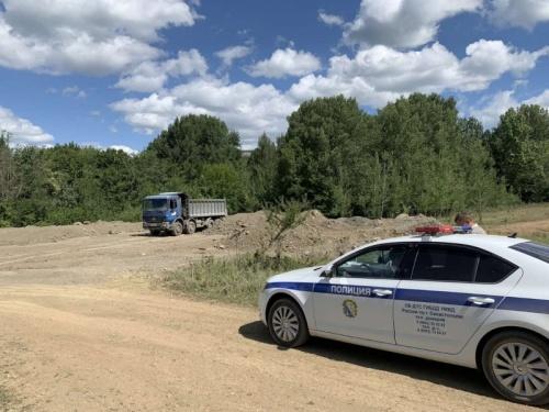 В Севастополе изъяли два грузовика за несанкционированный сброс отходов