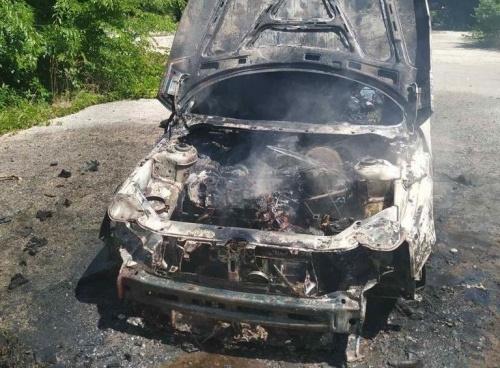 В Керчи на Степана Разина сгорел ВАЗ