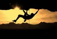 Туринструктор сорвался со скал в районе альпинистского маршрута в Ялте