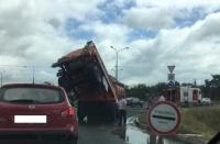 В районе Сапун-горы опрокинулась цистерна с топливом