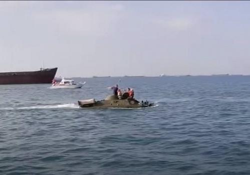 Затонувшую в Керченском проливе бронемашину нашли и, может быть, сегодня поднимут