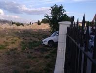 Иномарка протаранила забор «Херсонеса Таврического»