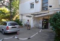 В Симферополе эвакуировали жильцов многоэтажки из-за задымившегося электрощитка