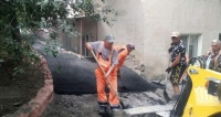 В Симферополе усиленными темпами продолжается ямочный ремонт дорог