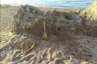 Кто в ответе за «Генералы»: керчане снова сами убирают пляжи
