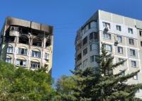 В Керчи жители двух подъездов не могут вернуться домой из-за угрозы обрушения в горевшей многоэтажке