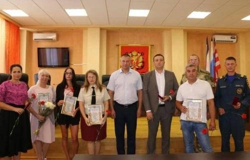 В администрации Керчи чествовали специалистов города