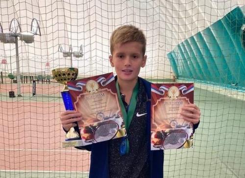 Симферопольский школьник выиграл всероссийский турнир по теннису
