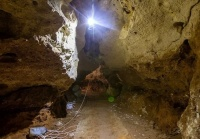 Строители обустраивают туристический маршрут в пещере у трассы «Таврида»