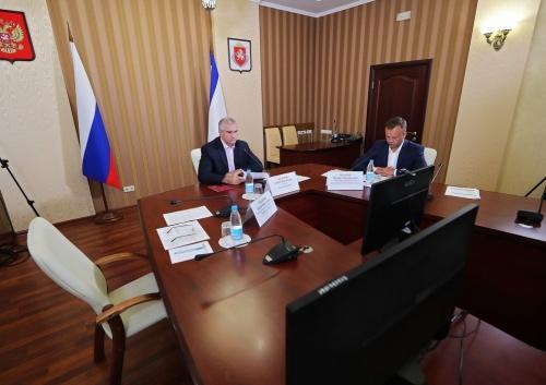 Сергей Аксёнов: Отсутствие планов-графиков работ на строительных объектах не позволяет контролировать их реализацию