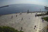 Власти Ялты организовали прямую видеотрансляцию городской набережной