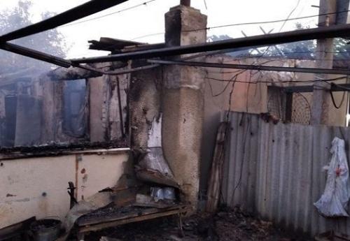 Пенсионер попал в больницу с ожогами из-за ночного пожара в Крыму