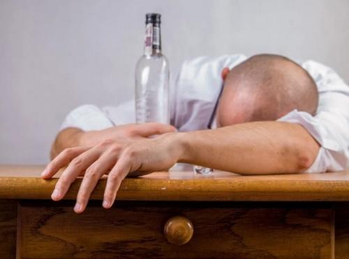 В Севастополе просят запретить продажу алкоголя