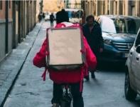 Новичку-курьеру доставки еды выдали в кафе заказ, телефон и велосипед, а он… Случай в Симферополе