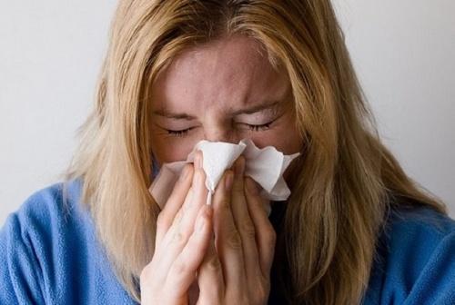 Названы главные симптомы лёгкой формы коронавируса
