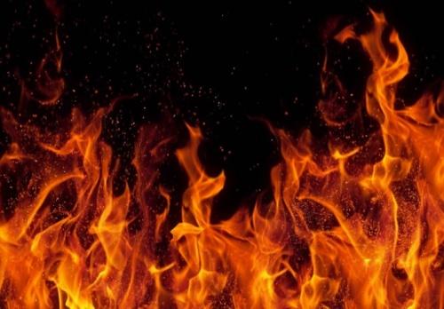 На территории Ялтинской поликлиники произошел пожар