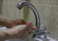 Власти Симферополя попросили бизнес не повышать цены на воду в бутылках