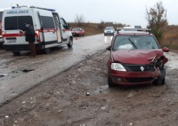Утром в Симферополе столкнулись две легковушки: пострадал мужчина