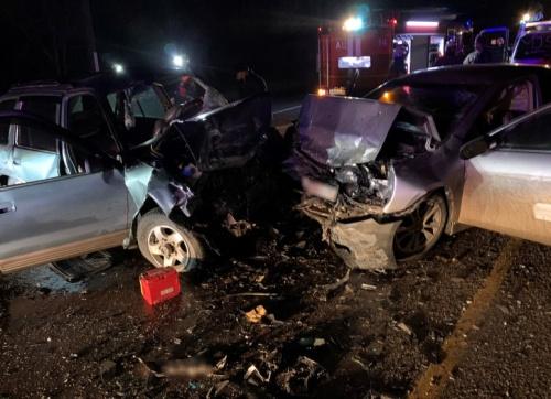 Один человек погиб, трое пострадали в ночном ДТП на крымской трассе