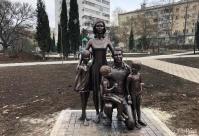 В Севастополе появилась аллея городских скульптур