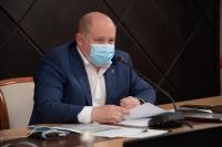 Михаил Развожаев потребовал усилить контроль за соблюдением масочного режима