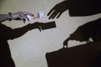 Житель Ялты пытался подкупить следователя
