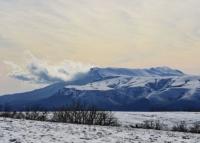В Крыму застрявших в снегу туристов сняли с Чатыр-Дага