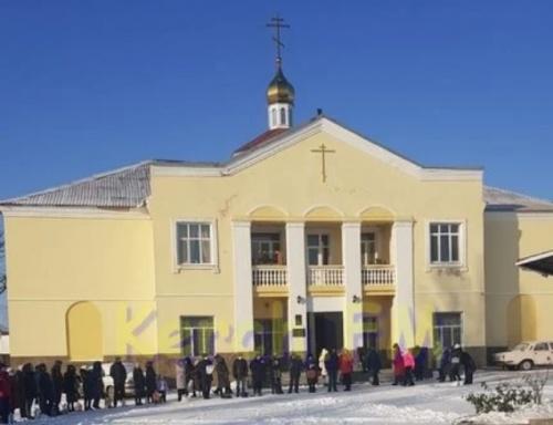 В Храме Святителя Луки в Керчи сегодня целый день святят воду