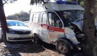"""""""Скорая"""" выехала на """"встречку"""" - полиция Ялты проверяет ДТП"""