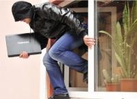 В Симферополе квартирант украл деньги и имущество хозяина жилья