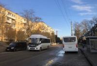 Керчанам не хватает часа, чтобы доехать до работы из-за нового расписания автобусов