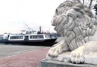 В Севастополе частично возобновилась работа катеров и парома