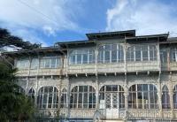 Ялтинцы требуют не допустить сноса исторических зданий бывшего санатория в центре города