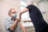 Первым иностранцем, сделавшим прививку от коронавируса в Крыму, стал гражданин США